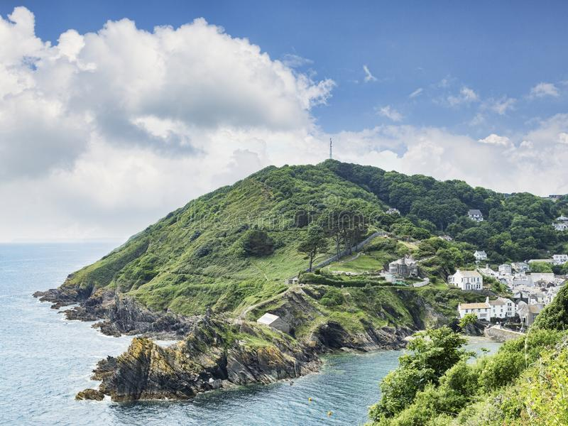 De Kust van Cornwall in Polperro, Cornwall, het UK stock afbeelding