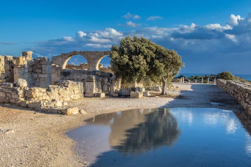 De kust van Cyprus dichtbij de oude stad van Curiosum, Limassol royalty-vrije stock fotografie