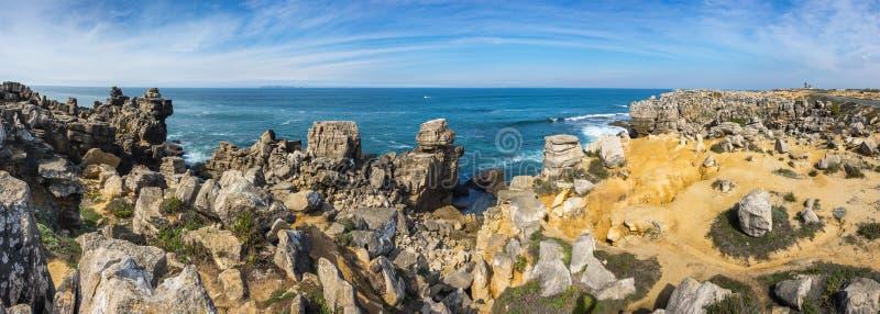 De kust van de Atlantische Oceaan stock foto's