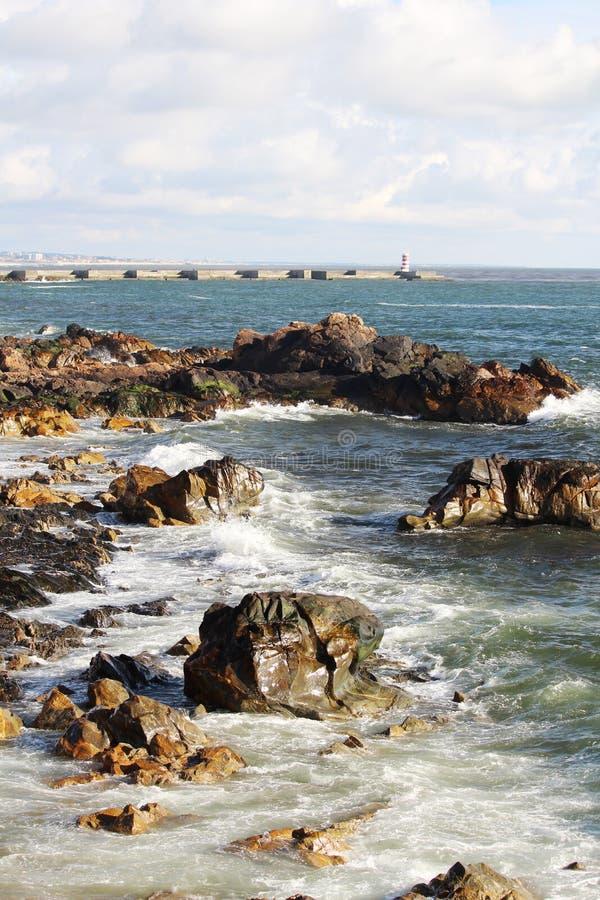 De kust van de Atlantische Oceaan in Porto, Portugal royalty-vrije stock fotografie