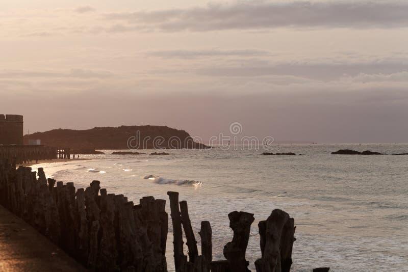 De kust van Saint Malo, in Normandië/Frankrijk royalty-vrije stock afbeelding