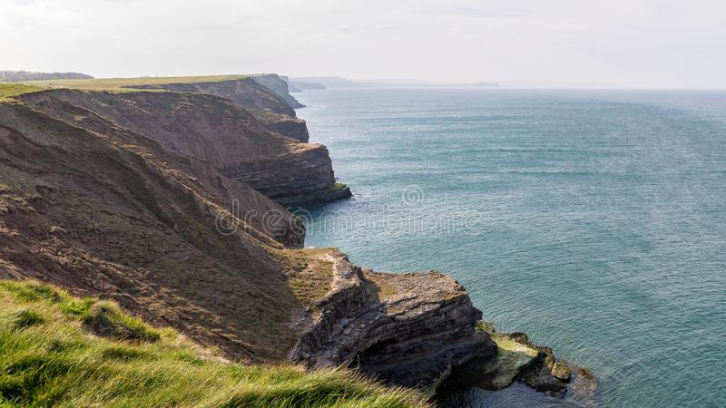 De kust van Yorkshire in Filey Brigg, het UK royalty-vrije stock fotografie