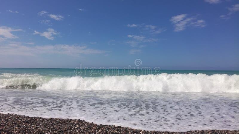 De kust van de Zwarte Zee in Abchazië stock foto's