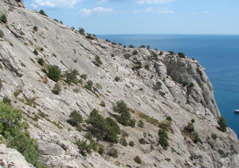 De kust van de Zwarte Zee van het zuidelijke deel van het Krimschiereiland dichtbij de stad van Sudak ukraine royalty-vrije stock fotografie