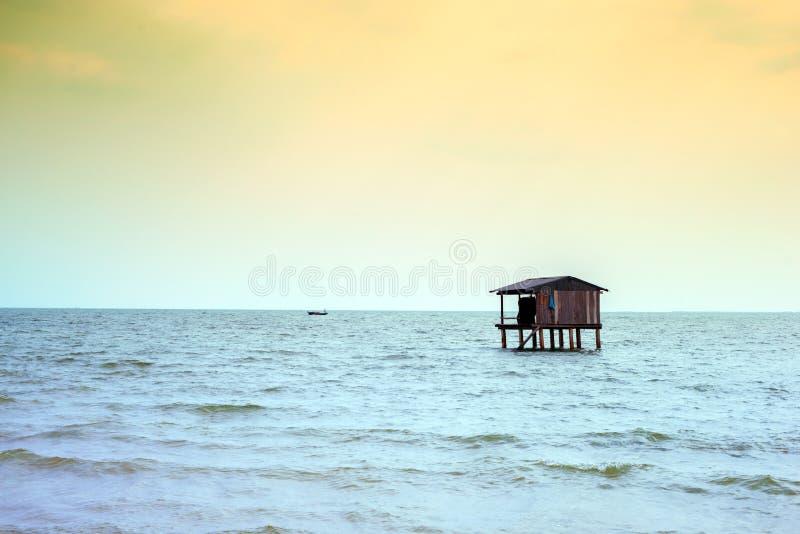 De kusten van het vissershuis van Aziatische landen royalty-vrije stock foto