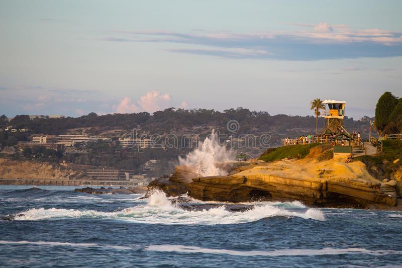 De Kustgolven van Californië stock fotografie