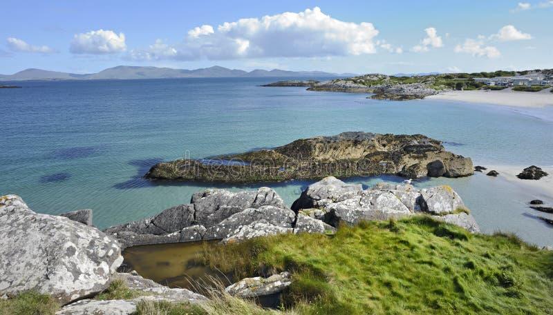 De kustlijnlandschap van Ierland royalty-vrije stock foto