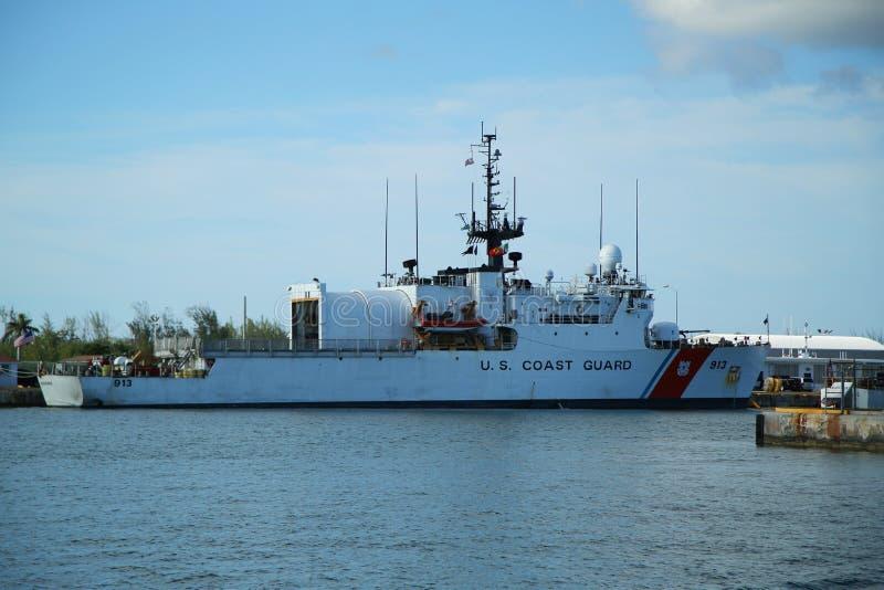 De Kustwacht Cutter Mohawk van Verenigde Staten in Key West, Florida wordt gedokt dat stock afbeelding
