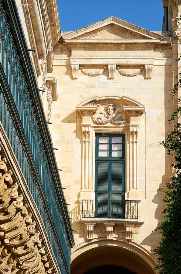 De långa träbalkongerna på slotten för Grandmaster` s, Valletta, arkivbild