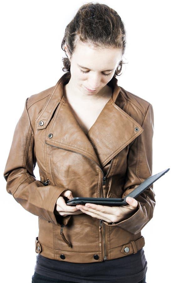 De l'adolescence avec l'e-lecteur images libres de droits