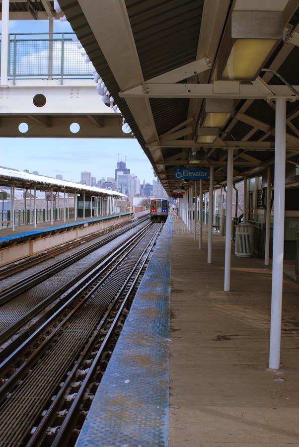 De l-trein vertrekt stock afbeeldingen