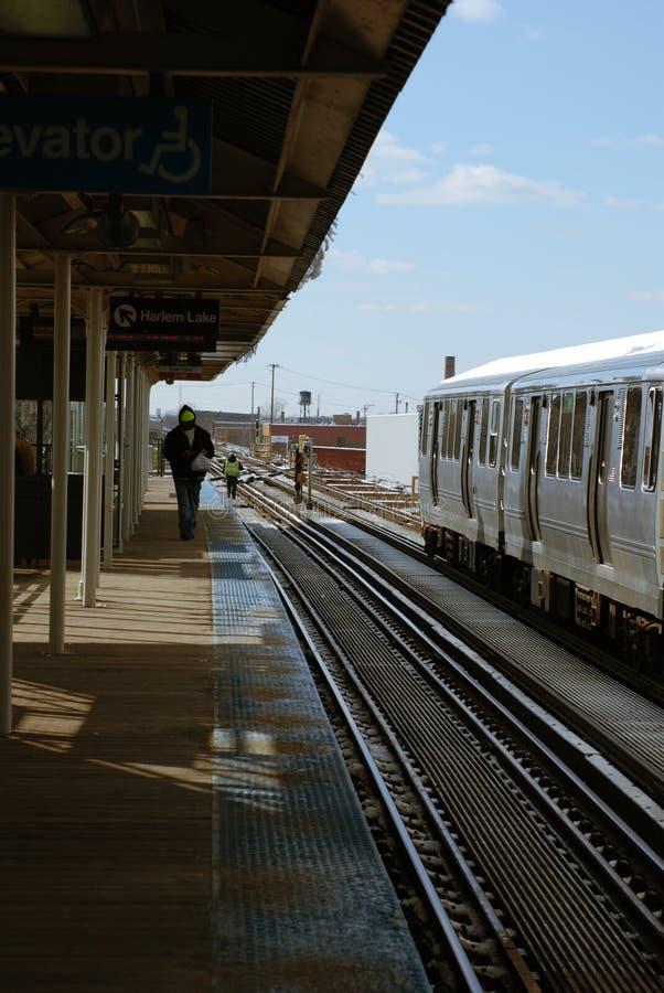 De l-trein vertrekt stock foto's