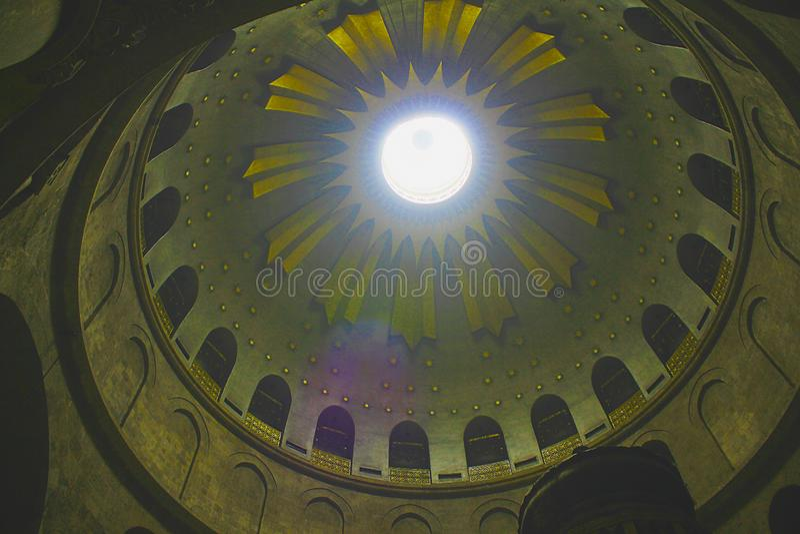 De la Rotonda sobre Edicule en la iglesia de Santo Sepulcro, la tumba de Cristo, en la ciudad vieja de Jerusalén, Israel imagenes de archivo