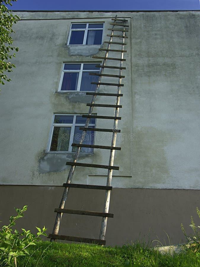De ladder van de veiligheid stock afbeeldingen