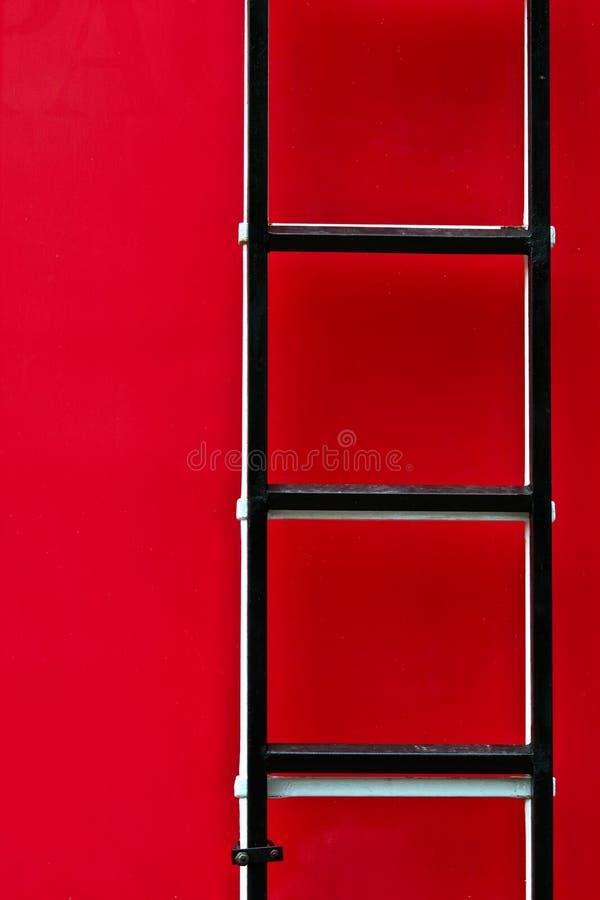 Download De Ladder Van De Vrachtwagen Van De Brand Stock Afbeelding - Afbeelding bestaande uit sluit, apparatuur: 10780231