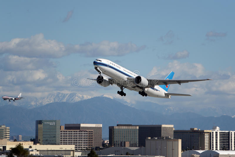 De Lading Boeing 777-F1B van China Southern Airlines stock foto