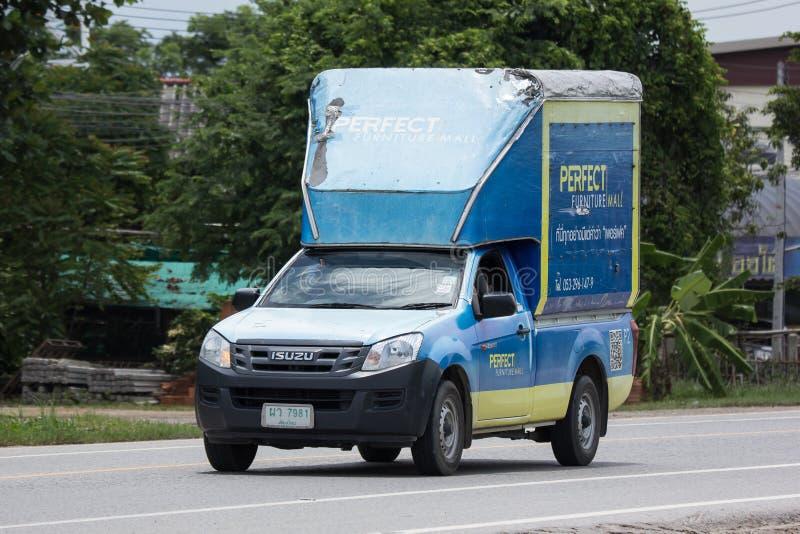 De ladingscontainer neemt vrachtwagen van Perfecte Meubilairwandelgalerij op stock afbeeldingen