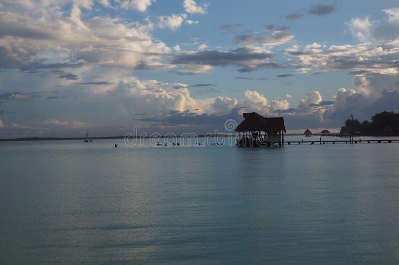 De lagune van Bacalar stock foto