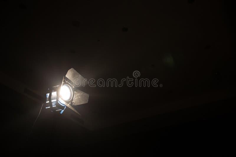 De lampschijnwerper voor directeur maakt bioskoop en video stock afbeelding