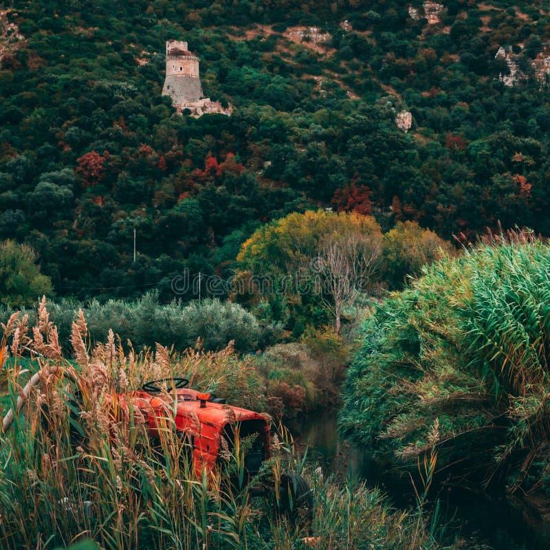 De Landbouwer en Acquapuzza stock afbeeldingen