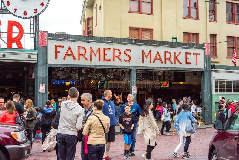 De Landbouwersmarkt van de snoekenplaats stock foto