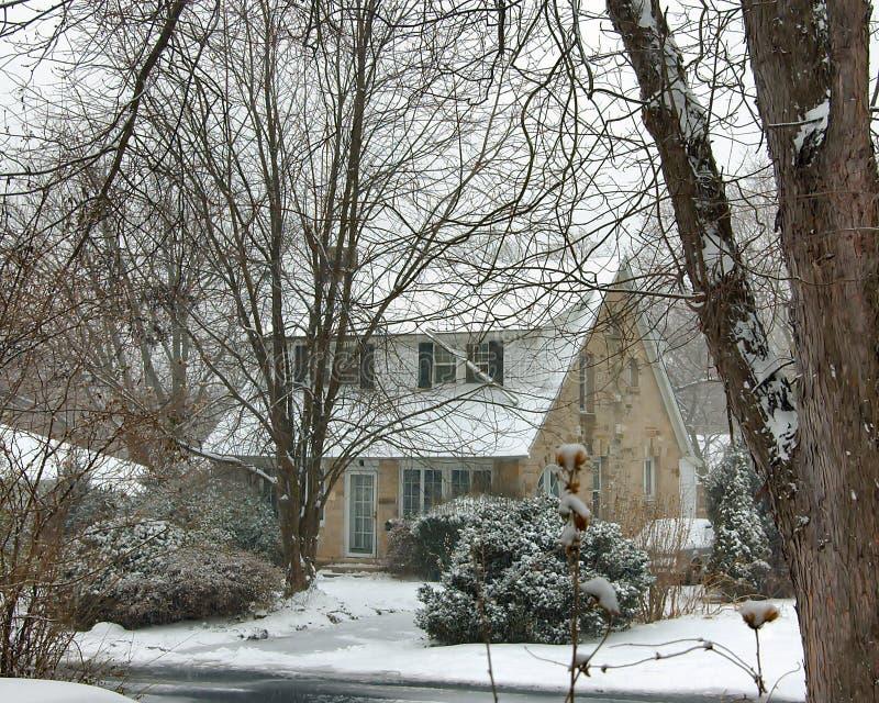 De landelijke sneeuw van het steenhuis royalty-vrije stock foto's
