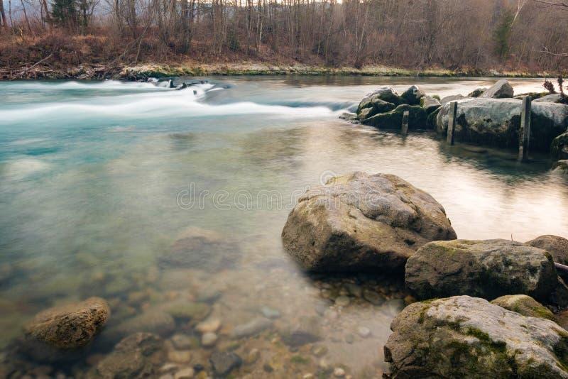De lange blootstelling van de Savarivier stock afbeelding