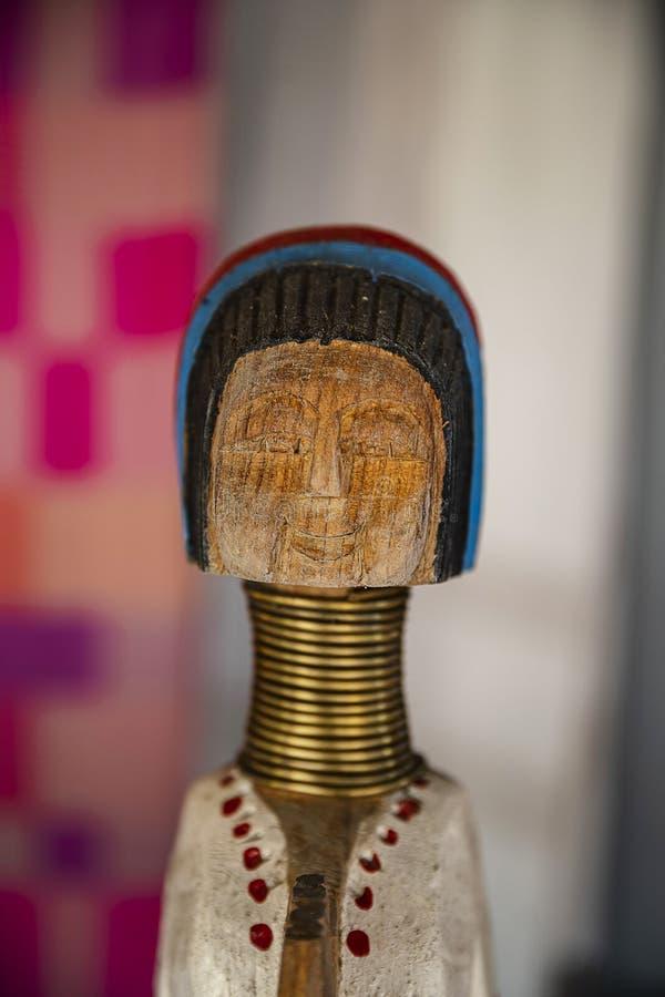 De lange houten pop van halskaren royalty-vrije stock foto's