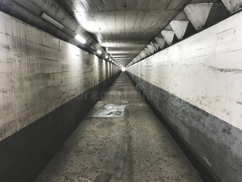 De lange tunnel in Busan-stad, Zuid-Korea stock afbeeldingen