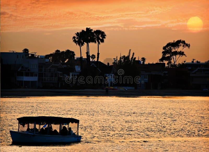 De lange Zonsondergang van het Strand royalty-vrije stock afbeelding