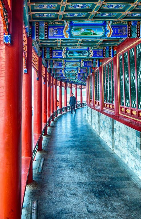 De langzaam verdwenen arcade van de gloriekoepel in Beihai stock fotografie