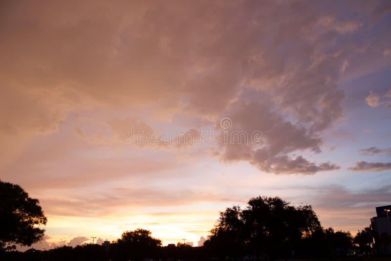 De langzaam verdwijnende zonsondergang van Florida stock afbeelding
