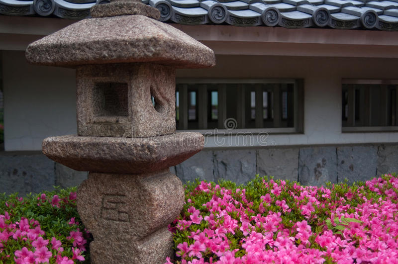 De Lantaarn van de steen royalty-vrije stock afbeelding