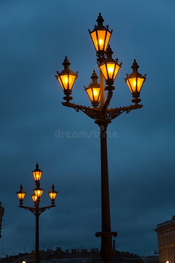 De lantaarns van Nigth royalty-vrije stock afbeeldingen