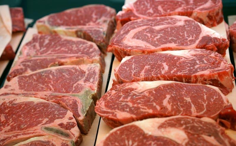 De lapjes vlees van het slagerijrundvlees stock afbeeldingen