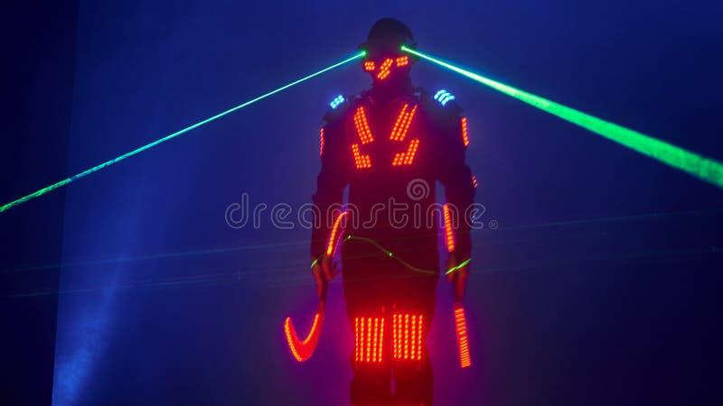 De laser toont prestaties, dansers in geleide kostuums met LEIDENE lamp, de zeer mooie prestaties van de nachtclub, partij royalty-vrije stock afbeeldingen