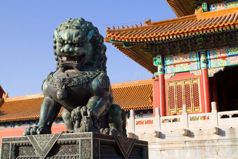 De leeuw van het standbeeld royalty-vrije stock foto