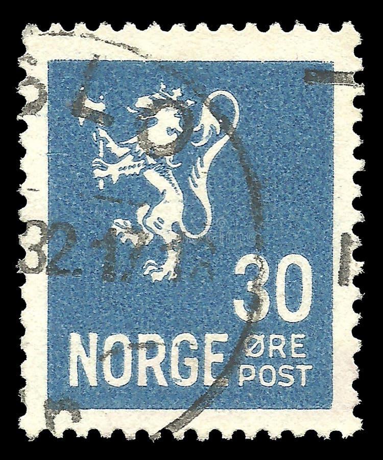 De Leeuw van Noorwegen van type twee op blauwe postzegel royalty-vrije stock foto's