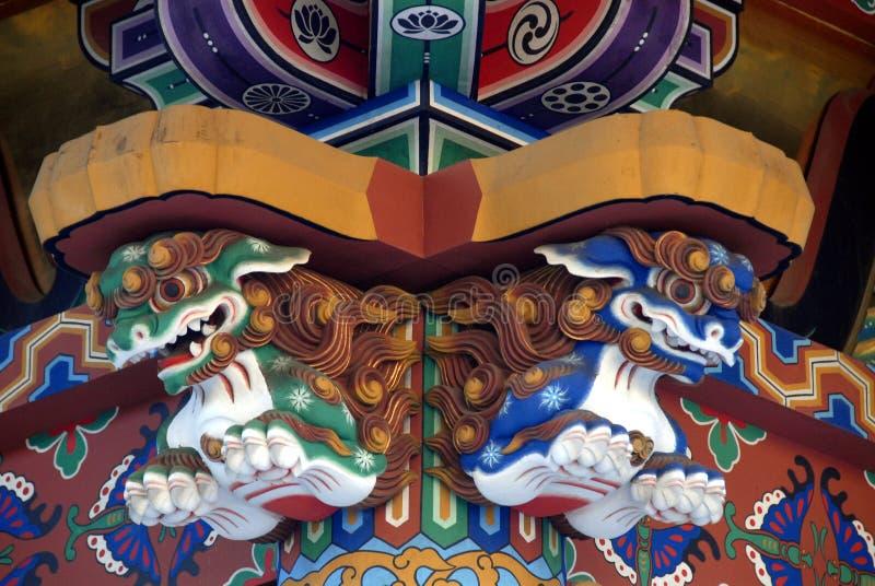 De leeuwen van het Zuihodenmausoleum stock afbeelding
