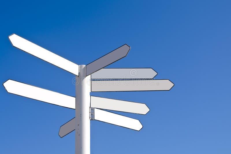 De lege richting voorziet van wegwijzers royalty-vrije stock afbeelding