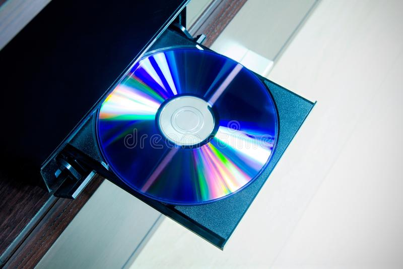 De schijf insterted aan de speler van DVD of CD royalty-vrije stock foto's