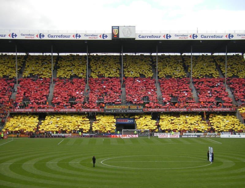 DE LENS VAN TIFO RC - WOEDEvoetbal, STADE FELIX BOLLAERT - DELELIS, FRANKRIJK stock afbeeldingen