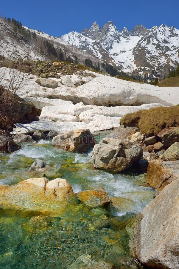 De lente in bergen royalty-vrije stock foto's