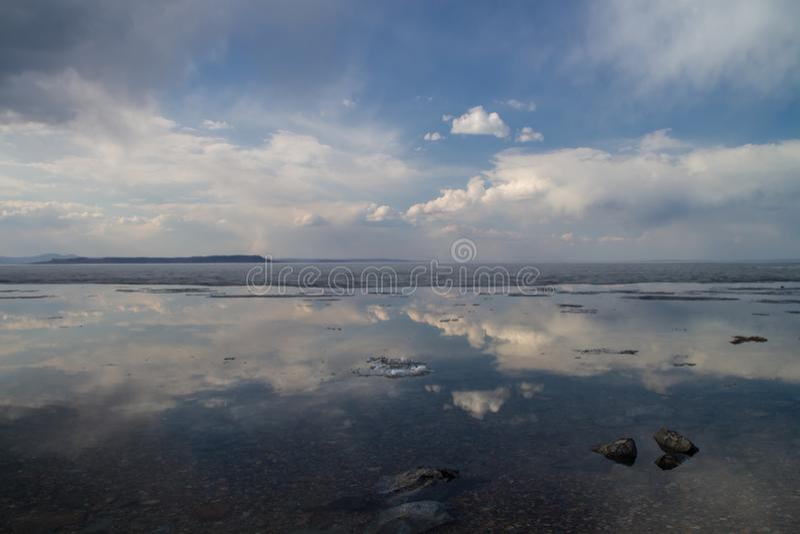 De lente bij de kust stock afbeeldingen