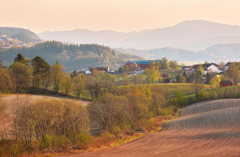 De lente in Noorwegen stock afbeelding
