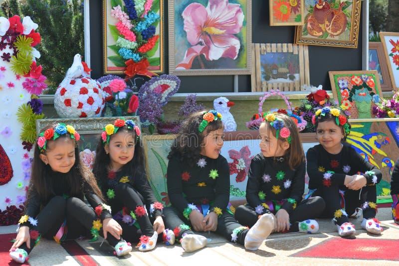 De lentefestival van bloemen, schoolfestival in Baku stad royalty-vrije stock foto's