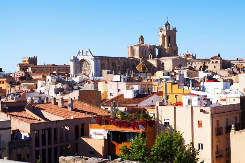 De lentemening van Tarragona en gotische Kathedraal stock afbeelding