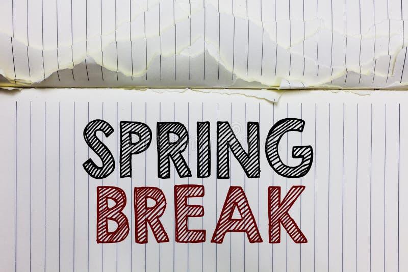De Lenteonderbreking van de handschrifttekst Het concept die Vakantieperiode betekenen bij school en universiteiten tijdens pagin stock foto's