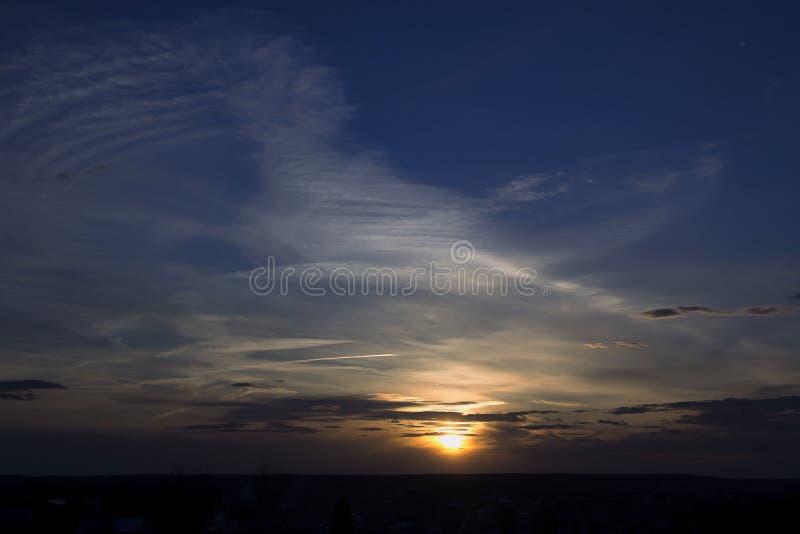 De lentezonsondergang stock afbeelding