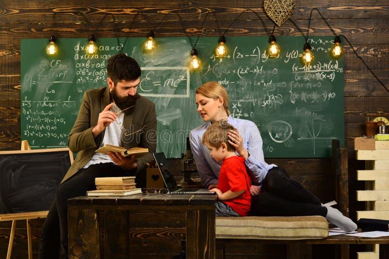 De leraren zijn zo verschillend zoals de studenten die zij, de mededeling van de Workshoptechnologie voor onderwijszaken hebben o royalty-vrije stock afbeeldingen